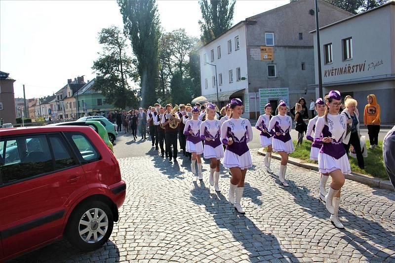 2. října oslavila Obchodní akademie stoleté výročí.