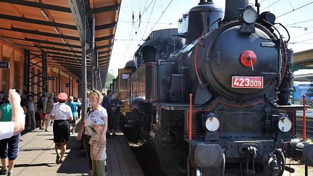 Slavnost k výročí stavitele železnic Jana Pernera.