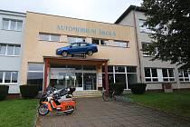 Podzimní návrat na Orlickoústecko měly TECHNOhrátky skutečně stylový – ve středu 2. října navštívily vÚstí nad Orlicí nejmodernější střední automobilní školu vPardubickém kraji..