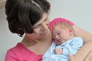 Dominik Kuneš bude s rodiči Dianou Niklovou a Janem Kunešem doma ve Rzech. Narodil se 9. 5. v 1.41 hodin a vážil 3,18 kg.