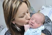 Marcel Šisler, tak se jmenuje první dítě Pavlíny Jednorógové a Marcela Šislera z Kerhartic. Chlapec spatřil svět 3. dubna v 11.34, navážili mu 3,74 kg.