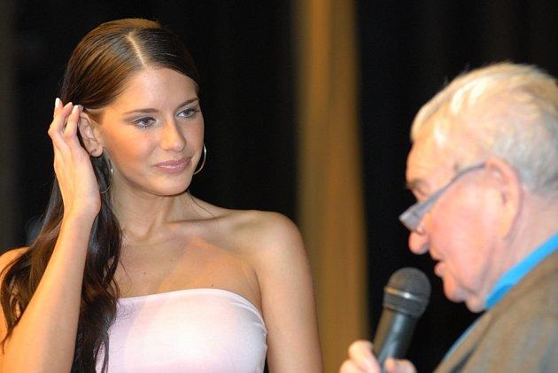 Miss aerobic Monika Horáková na vyhlášení sportovců roku 2007.