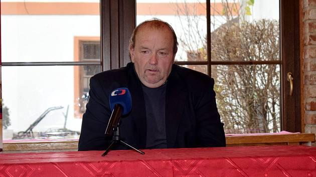 Tisková konference Vladimíra Boštíka ve Vysokém Mýtě.