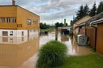 Minulý týden se Tyršova veřejná plovárna po silné bouři doprovázené přívalovým deštěm ocitla doslova pod vodou.