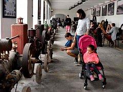 Expozici starých strojů oživil festival dobrého jídla a pití