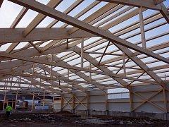 Zajímavé projekty workoutového hřiště, jezdecké haly a výrobní haly usilují o titul Dřevěná stavba roku 2018.
