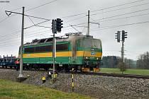 Požár lokomotivy zastavil provoz mezi Prahou a Olomoucí