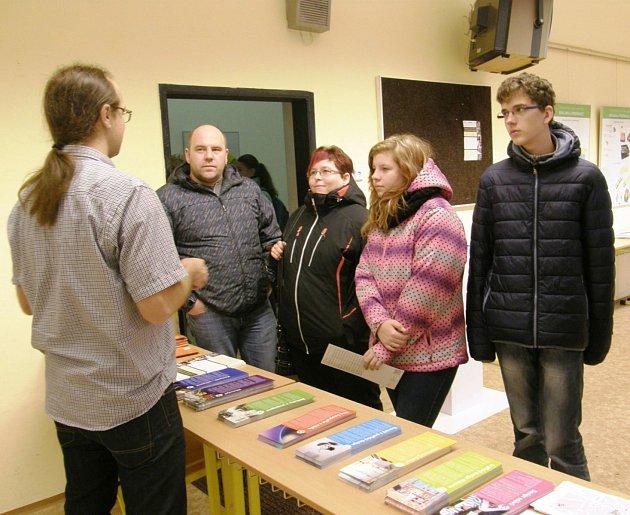 Den otevřených dveří přilákal žáky i jejich rodiče.