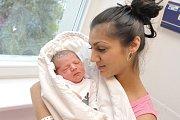 Sharon Mária Lévaiová těší rodiče Šarlotu a Kristiana z Pardubic. Narodila se 8. 11. v 18.16 hodin, kdy vážila 2,96 kg. Sourozenci se jmenují Petr a Honza.