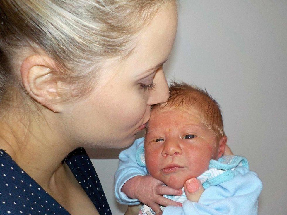 Stanislav Nágl je prvorozený syn Eleny a Adama z Dolní Dobrouče. Na svět přišel s váhou 3040 g dne 30. 11. v 12.11 hodin.
