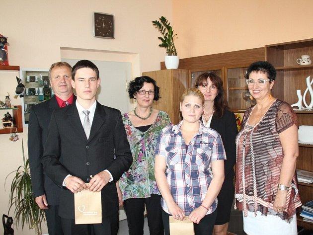 Ocenění studenti u náměstkyně hejtmana Jany Pernicové.