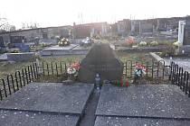 Zničený hrob v Opatovci