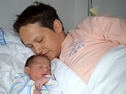 Vilém Drda se narodil Anně a Vlastimilovi z Ústí nad Orlicí 26. 7. v 7.52 hodin. Chlapeček vážil 3,553 kg. Doma se na něj těší i sestřička Alžbětka.