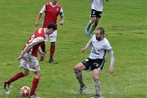 S hodně těžkým terénem se museli vyrovnat fotbalisté Ústí nad Orlicí a Pardubic B.