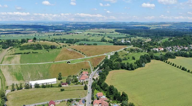Pohled z Lipové na Bučkův kopec