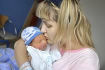 Jakub Šípek je jméno prvního dítěte manželů Šárky a Jiřího z Lanškrouna. Narodil se jim 23. listopadu v 10.02 hodin s hmotností 2,6 kg.