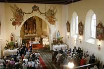 Z oslav stého výročí kostela v Sopotnici.