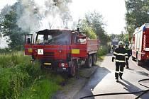 Požár nákladního automobilu Tatra 815 v Knapovci.