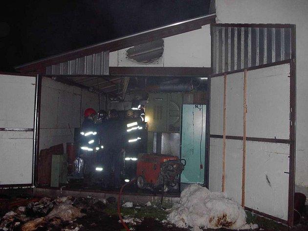 Požár v textilní firmě.