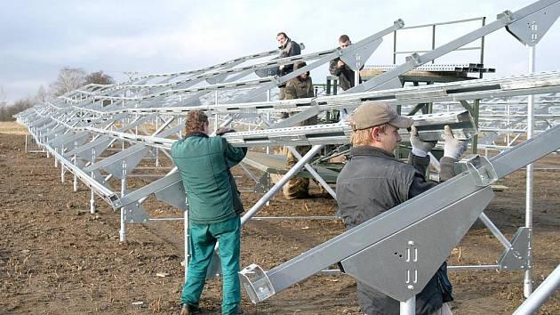 Boj o fotovoltaickou elektrárnu mezi firmami Tepvos a Bergdalen pokračuje.