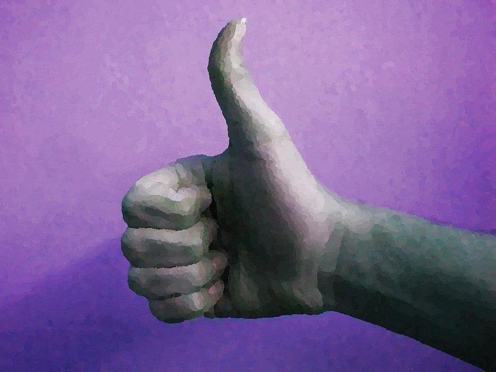 Palec nahoru - ilustrační obrázek