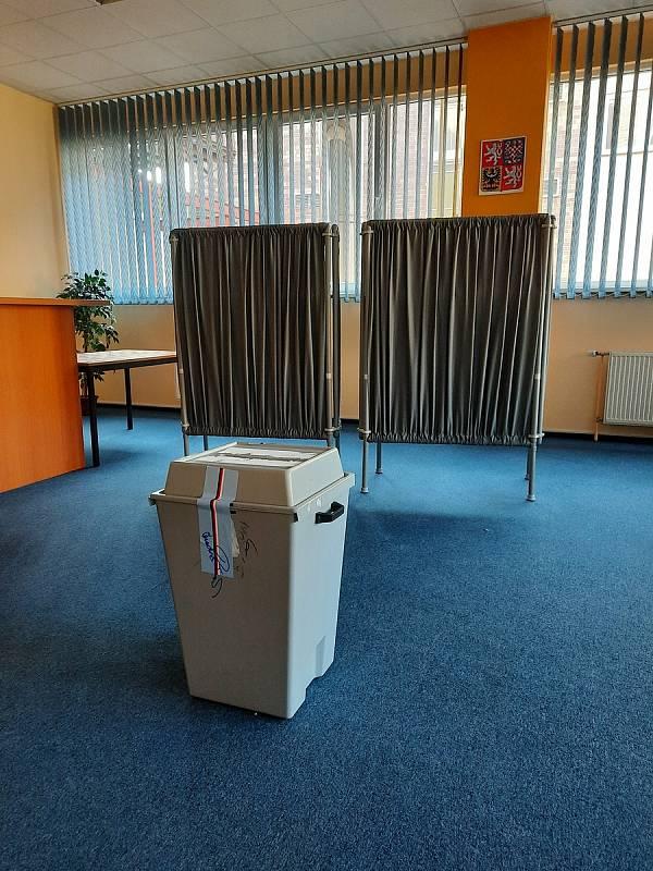 Volební místnosti se otevřely také v Orlickoústeckém hotelu UNO.