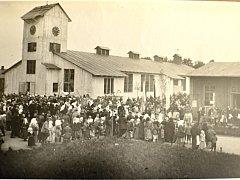 Dřevěný kostel stál v Chocni  v uprchlické kolonii. Vysvěcený byl 17. ledna 1915 a na začátku roku 1920 odjel rozebraný na vlaku do Polska.