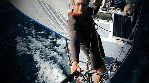 Alya II mořeplavce Martina Dolečka už zase brázdí moře.