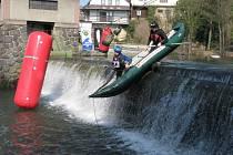 Vodáci v Chocni odemkli řeku závody