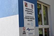 Průmyslová střední škola Letohrad slavnostně otevřela rekonstruovanou budovu a přístavbu pro odborné učebny a dílny za téměř 60 milionů korun.