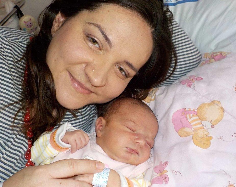 Emily Teclová poprvé spatřila světlo světa dne 23. 11. v 18.11 hodin a při narození vážila 3190 g. Ve Vysokém Mýtě bude těšit rodiče Kateřinu a Aleše, i bratra Jakuba.