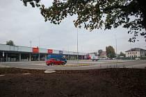 Retail park zůstává zavřený
