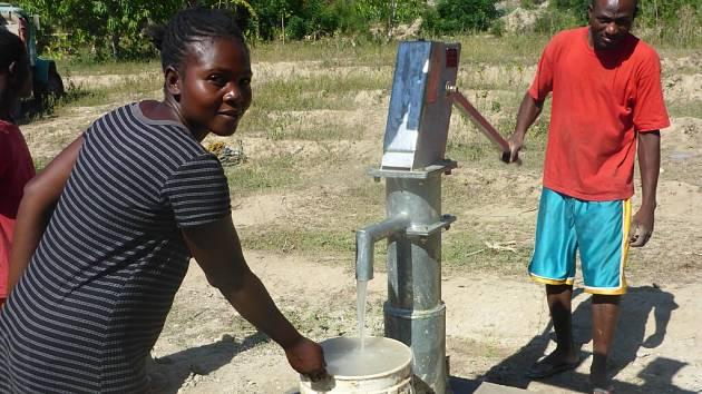 Studna Monika na Haiti.