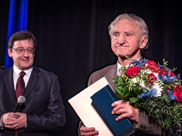 Malíř Jindřich Šmégr se letos v březnu stal držitelem Ceny starosty města.