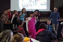 PREZENTACE Adopce na dálku pracovníky diecézní charity na farním dni v Letohradu v listopadu 2017.