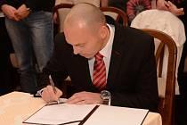 Novým starostou Lanškrouna byl zvolen Radim Vetchý.