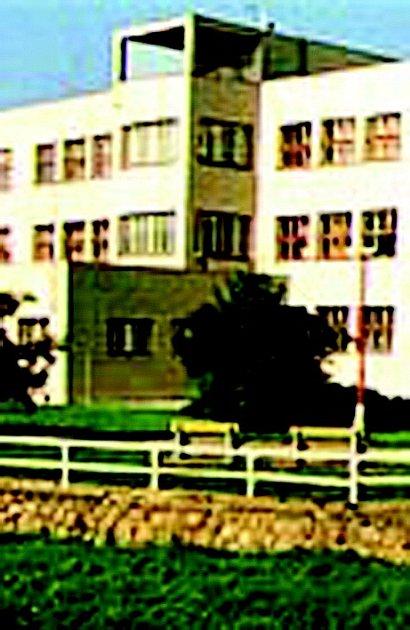 Obchodní akademie.