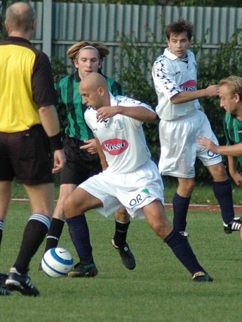 Přestože hráli vysokomýtští fotbalisté s Prachovicemi bez branek, nakonec jim remíza stačila k záchraně v soutěži.