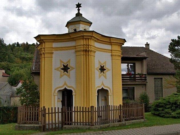 Kaple svatého Jana Nepomuckého v Běstvině.