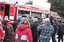Slavnostní předání nové Tatry dobrovolným hasičům v Dolní Dobrouči.