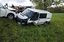 U Vysoké u Holic se srazila tři auta.