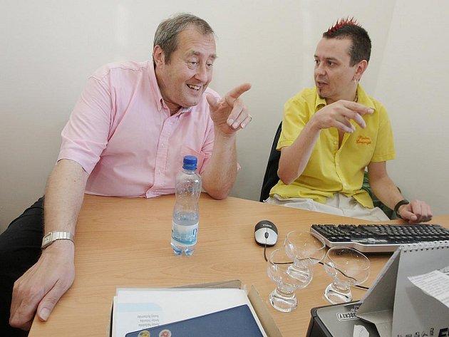 Online rozhovor s Peterem Freestonem a Jiřím Ševčíkem