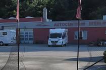 Zloději odjeli s obytnými vozy za tři miliony korun