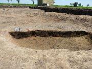 Záchranný archeologický výzkum v Třebosicích přinesl nejen unikátní nález hlavy kozlíka, ale řadu dokladů o osídlení Třebosic už z doby kamenné.