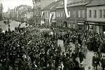 Pohřeb Rakouska - Uherska kráčející po nynější třídě Míru.