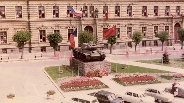 Tank v přelouči kolem roku 1980.