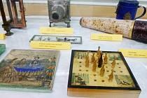 Výstava ukazuje hračky, které mohla znát i Božena Němcová