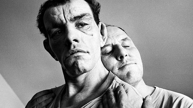 Z výstavy Jindřicha Štreita - Dva muži