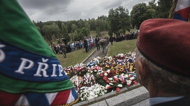 Pietní vzpomínka na vyhlazení osady Ležáky.