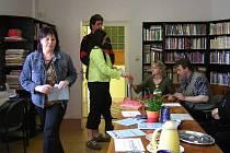 K volbám přišlo mnoho občanů.